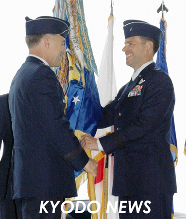 ◎嘉手納基地司令官が交代 就任したモロイ准将  ◎嘉手納基地司令官が交代 就任したモロイ准将 米