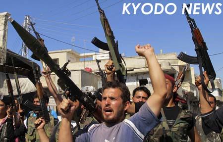 ◎暴力応酬で内戦悪化 自由シリア軍メンバーら  ◎暴力応酬で内戦悪化 自由シリア軍メンバーら ア