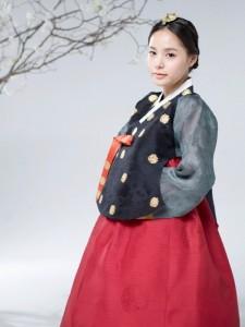 ミン・ヒョリン、韓服姿で秋夕のあいさつ