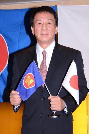 「日・ASEAN音楽祭~災害復興への祈り~」の会見を行った杉良太郎 「日・ASEAN音楽祭~災害