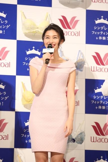 """カレンダー 2012年カレンダー : 橋本マナミ、国民の""""妄想愛人 ..."""