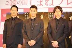 (左から)小林直己、AKIRA、青柳翔