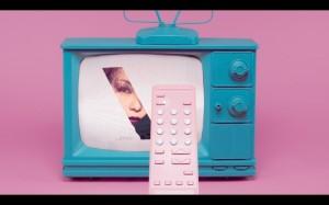 画面タッチで何が起こる?  安室奈美恵のPVが面白い! 画像1