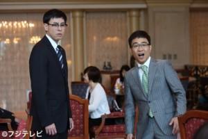 鈴木浩介(左)と八嶋智人