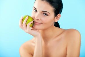 89%の女性が憧れる「実年齢より若い外見」を保つ15の食べ物 画像1